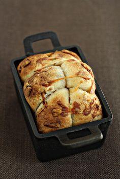 caramelized onion, bacon, and gruyere monkey bread