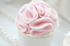 lovely pink fondant ruffles - excellent tutorial on how to make this cupcake from the cake to the ruffles!
