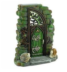 Erin Green Solar Fairy Door  Price $31.99