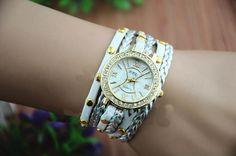 Relógio com multiplas pulseiras R$39,90 www.visvart.com.br