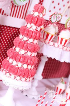 Amanda's Parties TO GO: Christmas Candy Trees {Tutorial}