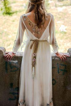 hippie wedding dress 638948265869567439 - vestido novia flores Source by Western Wedding Dresses, Wedding Dresses With Flowers, Bohemian Wedding Dresses, Hippie Dresses, Princess Wedding Dresses, Flower Dresses, Boho Dress, Bridal Dresses, Flowery Wedding Dress