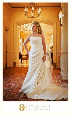 Ritz Carlton Sarasota, Bride, Hotel Wedding, Wedding Photography, Limelight Photography, www.stepintothelimelight.com