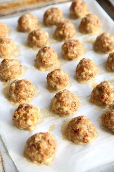 A unique and delicious turkey meatball recipe that incorporates sun-dried tomatoes and fresh garlic. A fresh take on a delicious Italian comfort food. Tasty Meatballs, Turkey Meatballs, Best Appetizers, Appetizer Recipes, Lemon Cream Cheese Frosting, Best Party Food, Spring Desserts, Recipe Steps, Dried Tomatoes