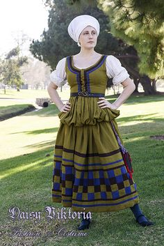 Yep, I think I need to do some German garb» German Checkered Gown Faerie Queen Costuming