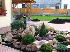 Kameny v zahradě :: www.INZADESIGN.cz Front Yard Garden Design, Rock Garden Design, Garden Landscape Design, Front Yard Landscaping, Brick Garden, Terrace Garden, Rockery Garden, Outdoor Gardens, Decoration