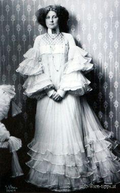 Flöge, 1909