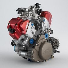 ◆ Visit MACHINE Shop Café ◆ (Aprilia's V-Twin 450cc 14,000rpm +70hp in a super-compact design)