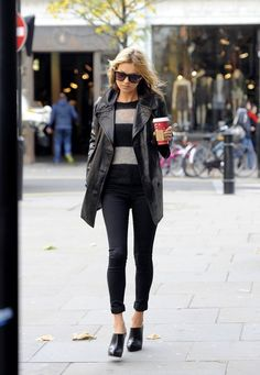 Kate Moss + Starbucks