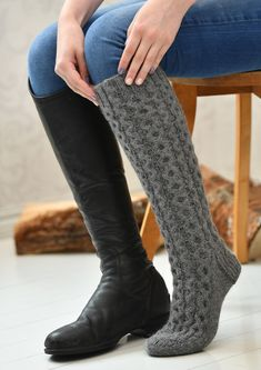 Tekstiiliteollisuus - teetee Tundra Cable Knit Socks, Wool Socks, Knitting Socks, Knitted Slippers, Slipper Socks, Crochet For Dummies, Reading Socks, Thigh High Socks, Leg Warmers