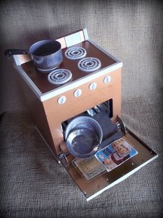 Vintage toy oven Argo Junior Chef oven with dishes and cookbook Metal toy pretend play oven Cooks by light bulb heat Great pretend toy oven by STUFFEZES on Etsy