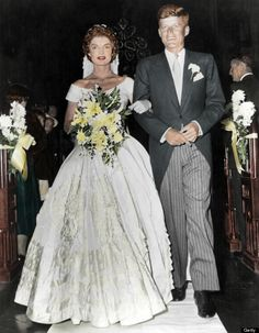 """the-world-turning: """" John and Jacqueline Kennedy Colorizations by me """" Jackie Kennedy Wedding, Jackie Kennedy Style, Jacqueline Kennedy Onassis, Jaqueline Kennedy, Les Kennedy, John Kennedy, Celebrity Weddings, Marie, Beautiful People"""