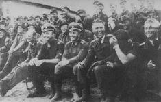 Un moment de détente pour ces SS Totenkopf