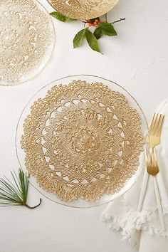 Metallic Lace Dinner Plate & Elegant Disposable Place Settings | Pinterest | Elegant Crystals ...