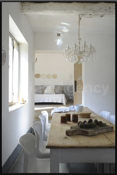 Soft and simple dining room Interior Decorating, Interior Design, Decorating Ideas, Dining Room Design, Dining Decor, Minimalist Living, Interior Exterior, Simple House, Beautiful Interiors