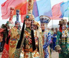 www.mongolchuudaa.com: Монгол үндэстний хувцас...