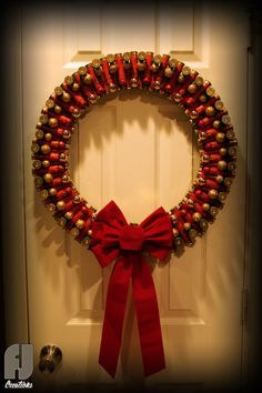 Shotgun Shell Christmas Wreath Red & Green Shells by FJCreations Shell Ornaments, Holiday Ornaments, Holiday Crafts, Christmas Crafts, Christmas Decorations, Diy Ornaments, Christmas 2017, Christmas Trees, Shotgun Shell Wreath