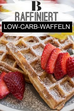 Low-Carb-Waffeln: Ganz einfach selber machen Low-carb waffles: Easy to make yourself. Our recipe for low-carb waffles comes out without flour and sugar, instead we use lean quark and xylite. So you can easily make the egg-rich low-carb waffles yourself. Slow Cooker Recipes, Low Carb Recipes, Baking Recipes, Keto Food List, Food Lists, Menu Dieta, Healthy Eating Tips, Keto Snacks, Keto Desserts