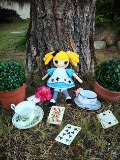 Alice in Wonderland   By Miya Chan (Miyachan's Creations)