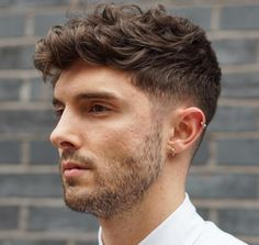 nice 30 Refined Wavy and Curly Hairstyles for Men - The Best Options For You Check more at http://stylemann.com/best-wavy-and-curly-hairstyles/