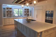 Custom Painted Kitchen Cabinets Designed By Hanford Cabinet And Woodworking In Old Saybrook Connecticut For This Transitional Style
