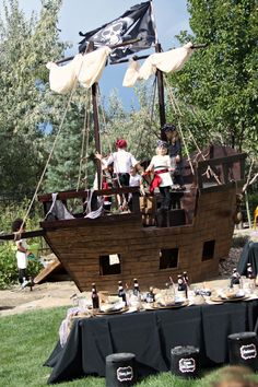 love this boat made out of cardboard...how fun