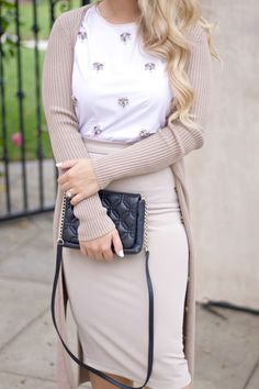 tips on shopping second hand Girly Outfits, Office Outfits, Work Outfits, Fashion Beauty, Womens Fashion, Office Fashion, Classy Dress, Fashion Bloggers, Victoria Beckham