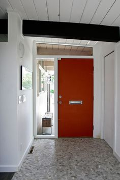 Mid-century modern Front Door and Entry