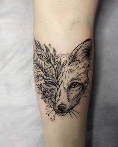 Fuchs Tattoo am Arm Pretty Tattoos, Sexy Tattoos, Beautiful Tattoos, Black Tattoos, Body Art Tattoos, Tatoos, Girly Tattoos, Arrow Tattoos, Unique Tattoos