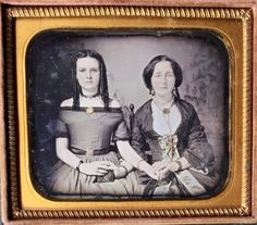 BEAUTIFUL-YOUNG-WOMEN-HOLDING-HANDS-CURLED-HAIR-1-6-PLATE-DAGUERREOTYPE-D629