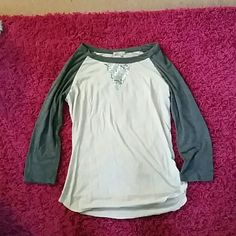 3/4 sleeve Kirra top 3/4 sleeve top with v sparkles in front thin material Kirra Tops Tees - Long Sleeve