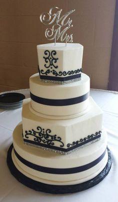 Black and White Tiered Wedding Cake. Multi-shape wedding cake. Scroll Pattern. Buttercream Wedding Cake. Wedding Planning. Tiered Cake. Michigan Wedding