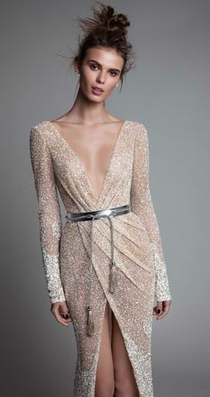 Perle d or evening dresses disco – Dress best style form Elegant Dresses, Pretty Dresses, Evening Dresses, Prom Dresses, Sparkly Dresses, Wedding Dresses, Mode Glamour, Beautiful Gowns, Dream Dress