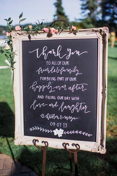 chic vintage chalkboard wedding signs for outdoor wedding ideas