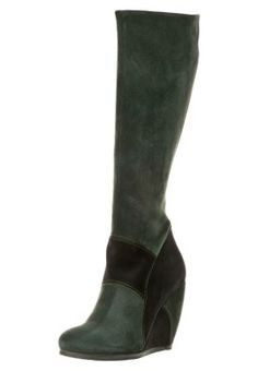 Bota Alta Fly London. Verde