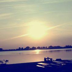 #Mantova #beautifulview #sunset #aperitivo #Zanzara #PortaMulina #JF #JFproject #inspiration #mantua #spettacolo #MN #lake #lagodimantova #panorama #cool #città #love #lovemycity #mantovalove #visitmantua #igmantova #ig_mantova #ig_lombardia #beautiful #lombardia #italy (presso Zanzara)