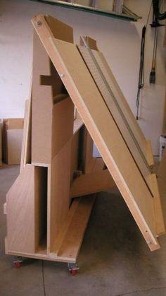 Woodworking Shop Layout, Woodworking Workshop, Woodworking Bench, Woodworking Projects, Welding Projects, Woodworking Basics, Woodworking Classes, Woodworking Techniques, Plywood Storage