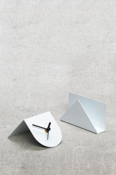 1/2 Desk Clock White
