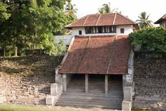 Kalari Kovilakom Kerala a well known authentic Ayurveda center in Palakkad Kerala India Kerala Architecture, Tropical Architecture, Vernacular Architecture, Architecture Design, Kerala India, South India, Traditional House, Traditional Design, Kerala Houses