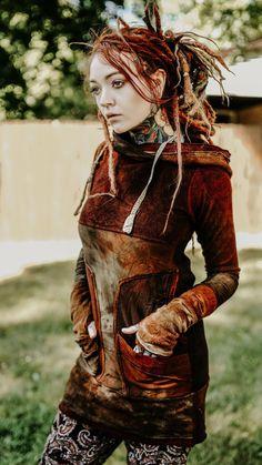 Mistressbarbie red hot chili dreads p Gothic Hippie, Beautiful Dreadlocks, Dreads Girl, Character Costumes, Fantasy Girl, Dark Beauty, Inked Girls, Alternative Fashion, Gorgeous Women