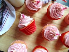 Milkshake Cupcakes, Strawberry Milkshake, Strawberry Cupcakes, Pink Food Coloring, Cupcake Cases, Muffin Tins, Sweet Style, Frozen Treats, Fudge
