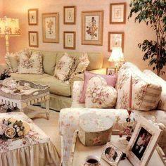 http://www.facebook.com/papaverorosso.rosso  love this cozy fantasy room