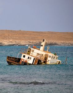 Sal Rei - Boa Vista Boat, World, Vehicles, Boa Vista, King, The World, Dinghy, Rolling Stock, Boats