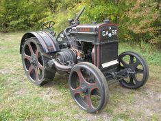 Antique Tractors, Vintage Tractors, Vintage Farm, Antique Cars, Old John Deere Tractors, Case Tractors, Successful Farming, Tractor Photos, Tractor Pulling