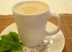 Bebida quente de erva-doce e melissa