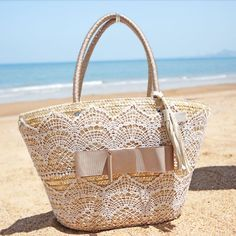 2014 New Fashion Women Medium Beige Lace Bow Tassel Woven Handmade Straw knitted Totes Beach Bags Sacs de plage Bolsos Playa $19.99