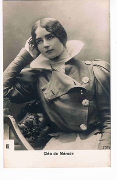 Beautiful French dancer of the Belle Époque, Cléo de Mérode, c.1902