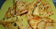 Clătite subțiri din cartofi - De 100 ori mai bune decât orice alte clătite aperitiv - Pentru această rețetă, aveți nevoie de următoarele ingrediente: Ingrediente necesare: 4-5 cartofi 300 g făină 3 ouă 5 linguri ulei 300 ml lapte 1 lingură zahăr 3-4 căței de usturoi verdeață sare Mod de preparare: 1. Decojim cartofii, îi spălăm pe urmă îi tăiem în 4 bucățele. Așezăm cartofii într-un vas, adăugăm apă, sare și îi fierbem până când sunt gata. 2. După ce cartofii au fiert, îi facem piure, cu… Cauliflower, Shrimp, Cheese, Chicken, Vegetables, Cooking, Texts, Image, Cuisine