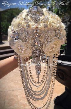 ELEGANTES Elfenbein kaskadierende Brosche Bouquet Elfenbein