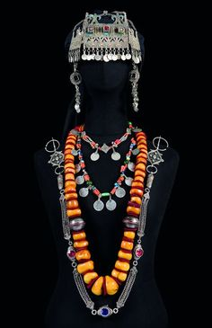 amayas-amazigh: Amazigh Fineries of the region of the souss Southwest of Morocco Goldscheider, Moroccan Jewelry, Ethnic Jewelry, Jewellery, Ysl, Costume Ethnique, Tribal Necklace, Bohemian, African